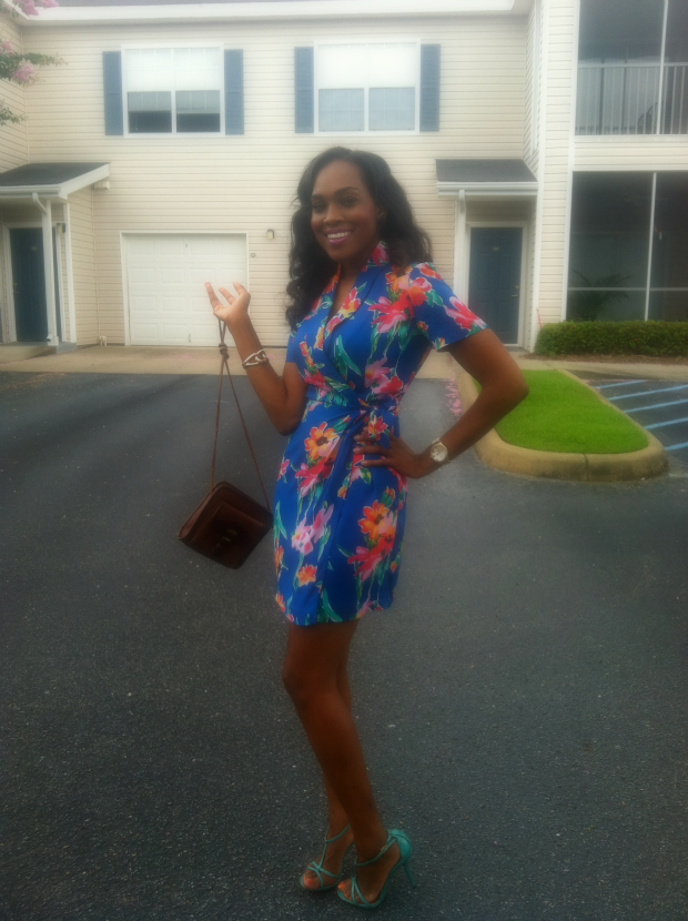 Style-Files-with- PrettyPrice-Thrifted- Hawai- Print-Wrap- Dress- and-Turquoise- Report-Signature- Sandals-5