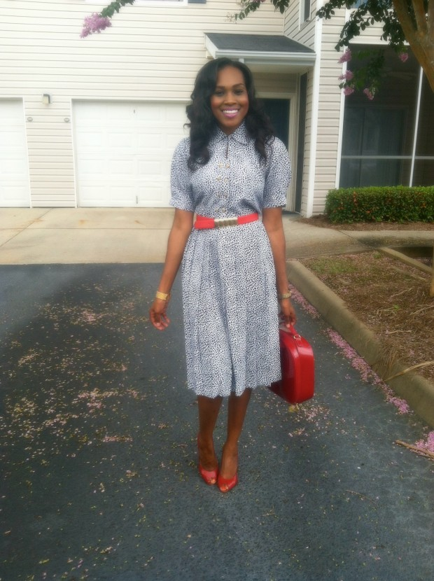 style-files-with-pretty-price-Thrifted-White- and-Blue-Polka-Dot- Schrader-Petite-Pleated-Shirt-Dress-and-Red-BCBG-Peep-toe-Pumps-3