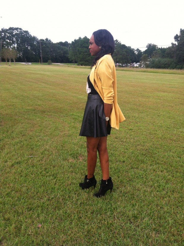 Style-Files-with- PrettyPrice-Forever-21- Faux-Leather-Skater- Skirt-Joy-Rich-Minnie- Mouse-Tee-Thrifted- Mustard-Blazer-Sam Edelman-Uma- Booties-7