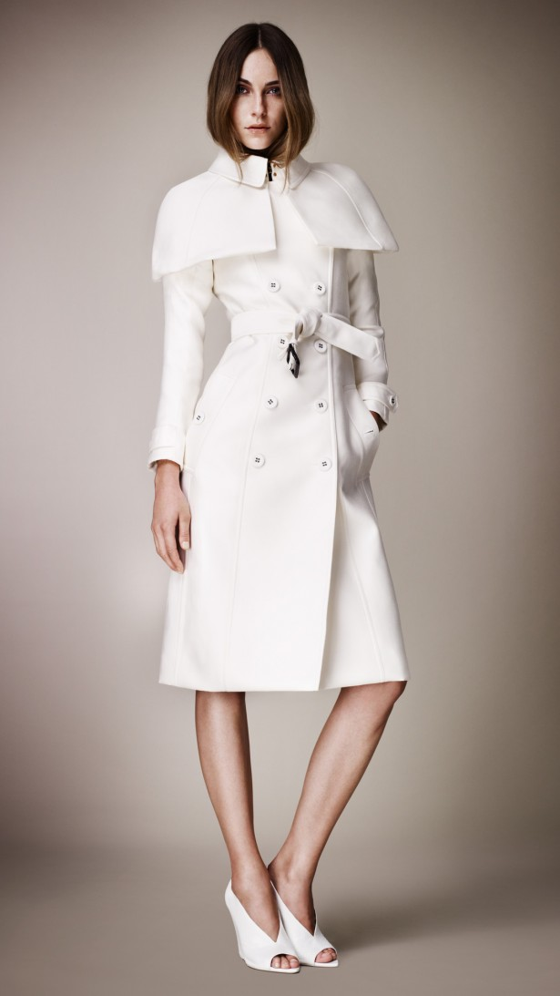 scandal-style-kerry-washington-in-Burberry Prorsum-Double- Duchess-Caped-Trench- Coat-Spring-2013 collection-5