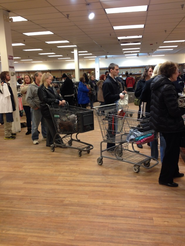 Ooh-la-la-blog-thrifting-shopping-trip-thrift-store-sale-