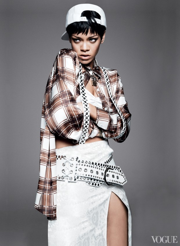 Rihanna-for-VOGUE- March-2014-8