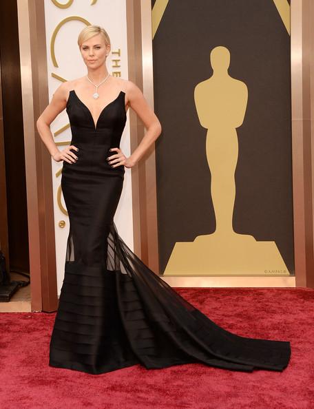 Charlize-Theron-2014-Oscar-Awards-