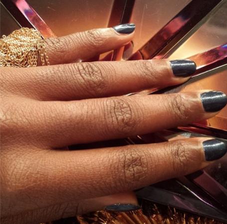 Lupita-Nyongo-manicure-black mani -non-stop-movie-premiere-