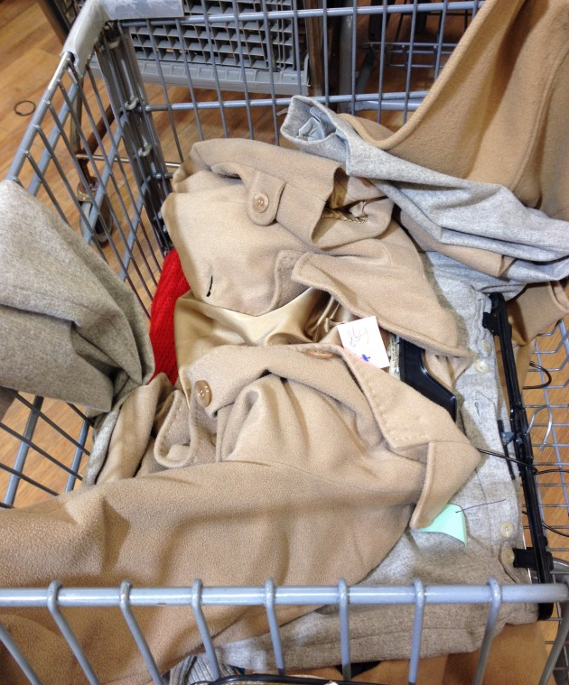 Ooh-la-la-blog-thrifting-shopping-trip-thrift-store-sale-12