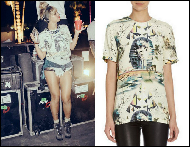 Beyonce-Coachella-2014-Azzedine-Alaia-Lace- Front-Ankle-Boots- Balenciaga Sphinx -Tee- One-Teaspoon- 505-Rollers-Shorts-8