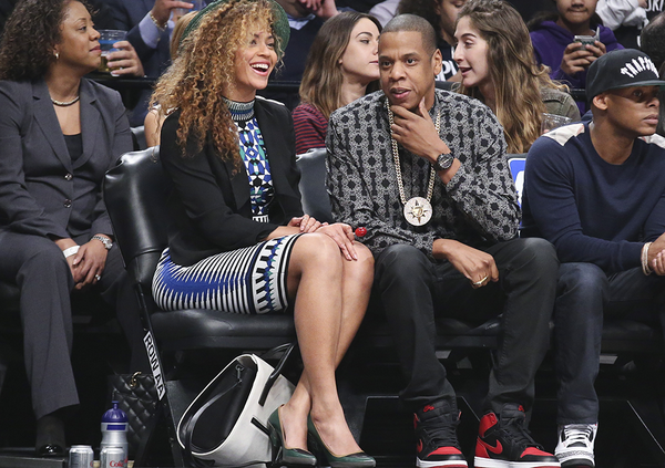 Beyonce-Courtside-Net-Rockets-game-Torn-by-Ronny-Kobo Mosaic-Jacquard-Crop- Top-Matching- Skirt-png