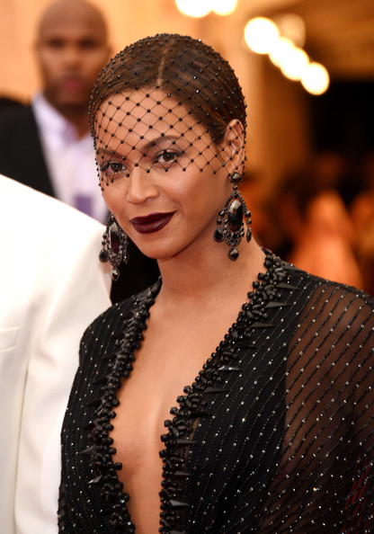 Beyonce-Knowles-Givenchy-Gown-JayZ-Givenchy-Tuxedo-2014-MET-Gala-3