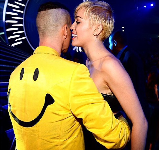 Miley-Cyrus-Jeremy-Scott-NYFW-spring-2014-
