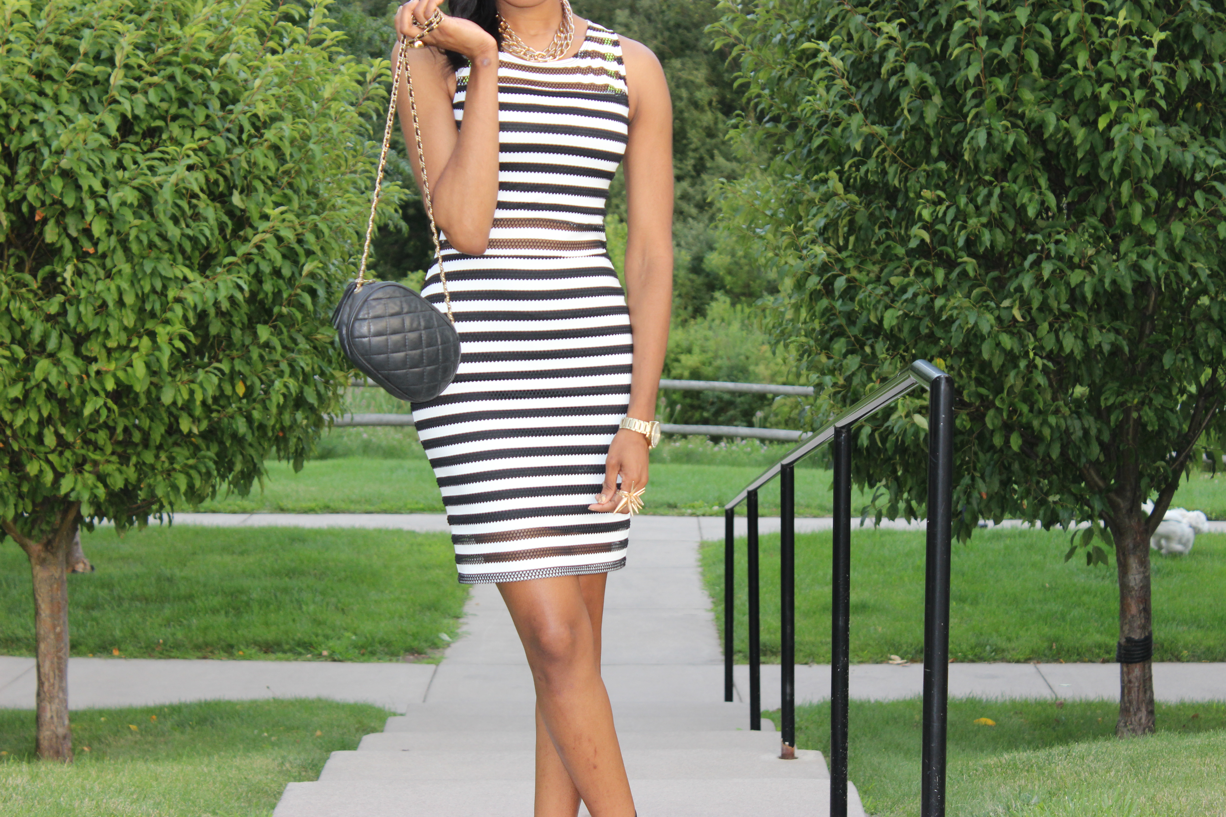 Style-Files-With-Pretty-Price-TARGET-xhilaration-Juniors-Striped-Black-White-Bodycon- Dress-OohLaLaBlog-5