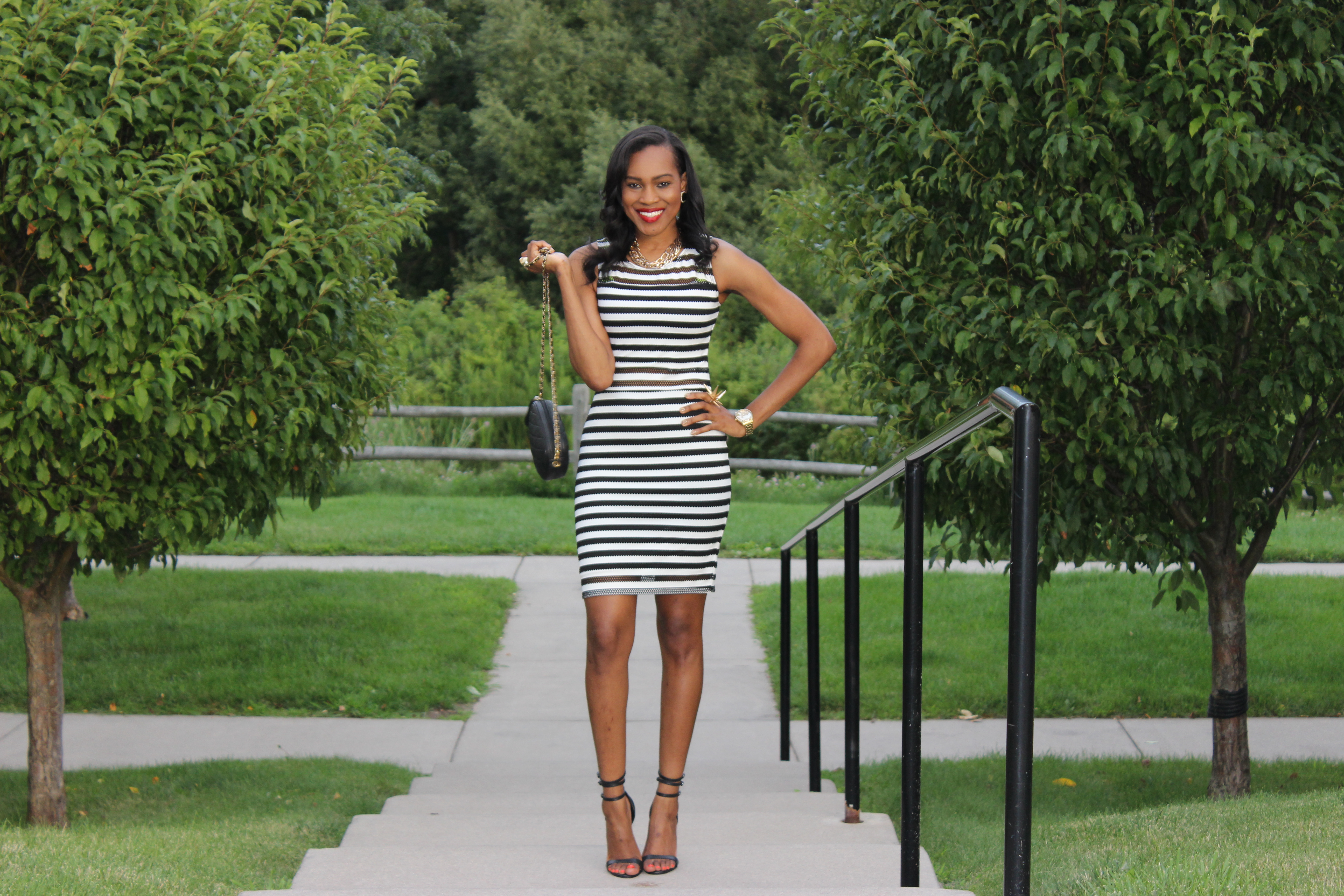 Style-Files-With-Pretty-Price-TARGET-xhilaration-Juniors-Striped-Black-White-Bodycon- Dress-OohLaLaBlog-7