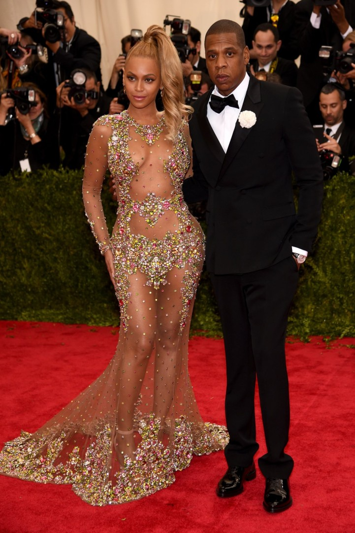 Beyonce' in Givenchy Haute Couture by Riccardo Tisci