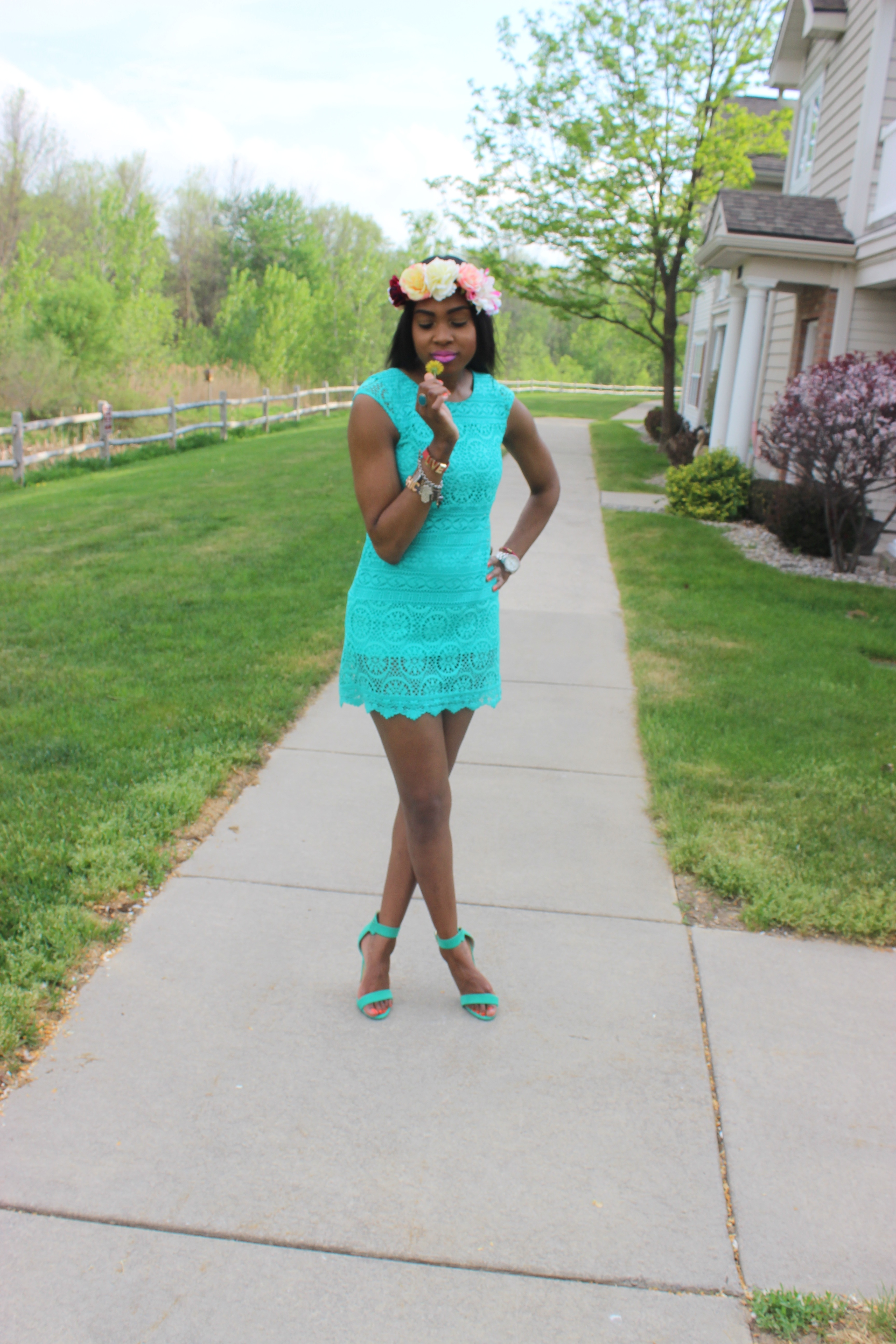 Style-Files-with-Pretty-Price-Mint Green-Xhilaration-Lace Shift Dress-Just-Fab-Ankle-Strap-Sea-Foam-Geen -Sandals-Forever21-Flower-Headband-OohLaLaBlog-5