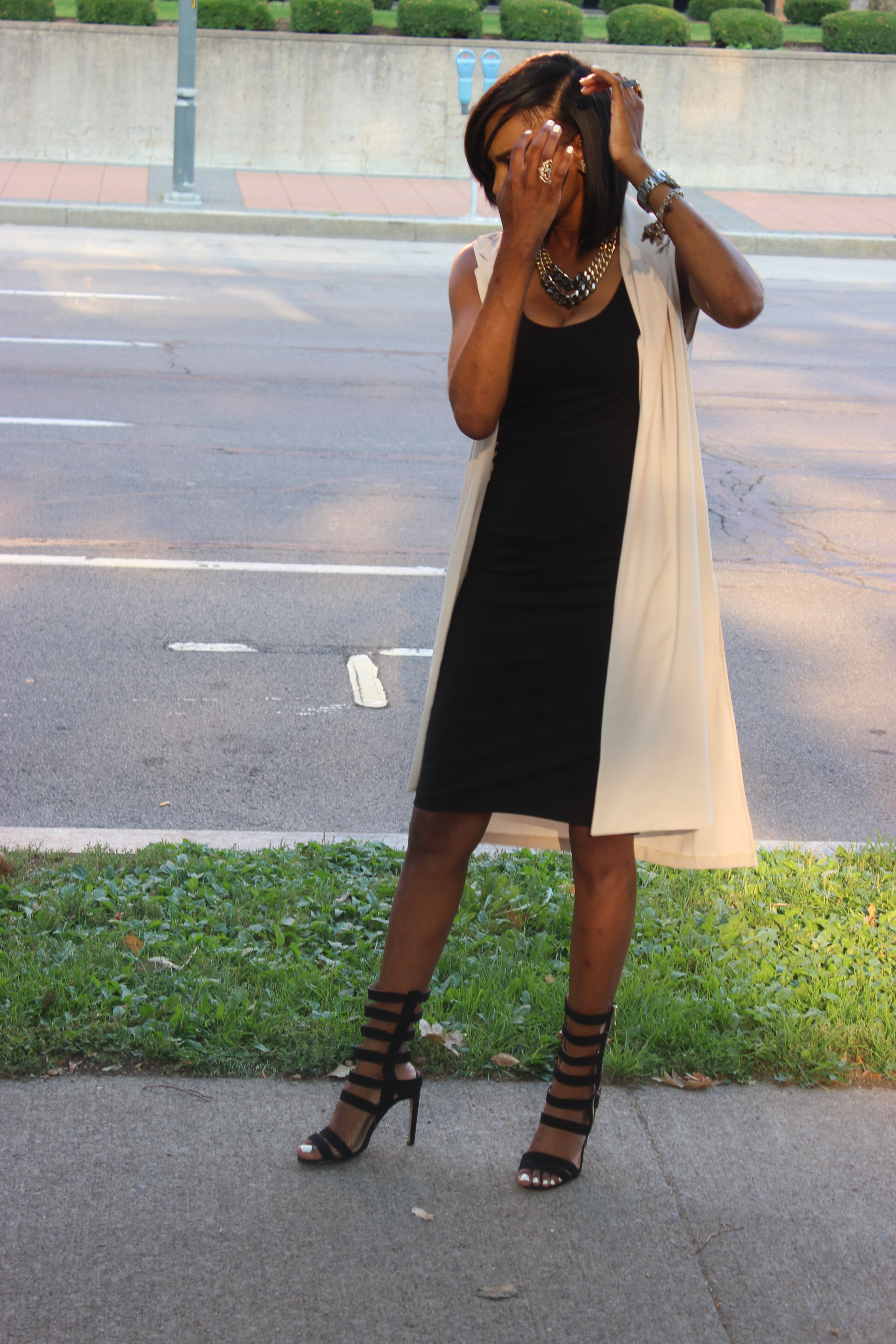 Style-Files-With-Pretty-Price-Forever-21-long-vest-black-Pencil-skirt-tank-just-fab-Florence -heels-Oohlalablog-11
