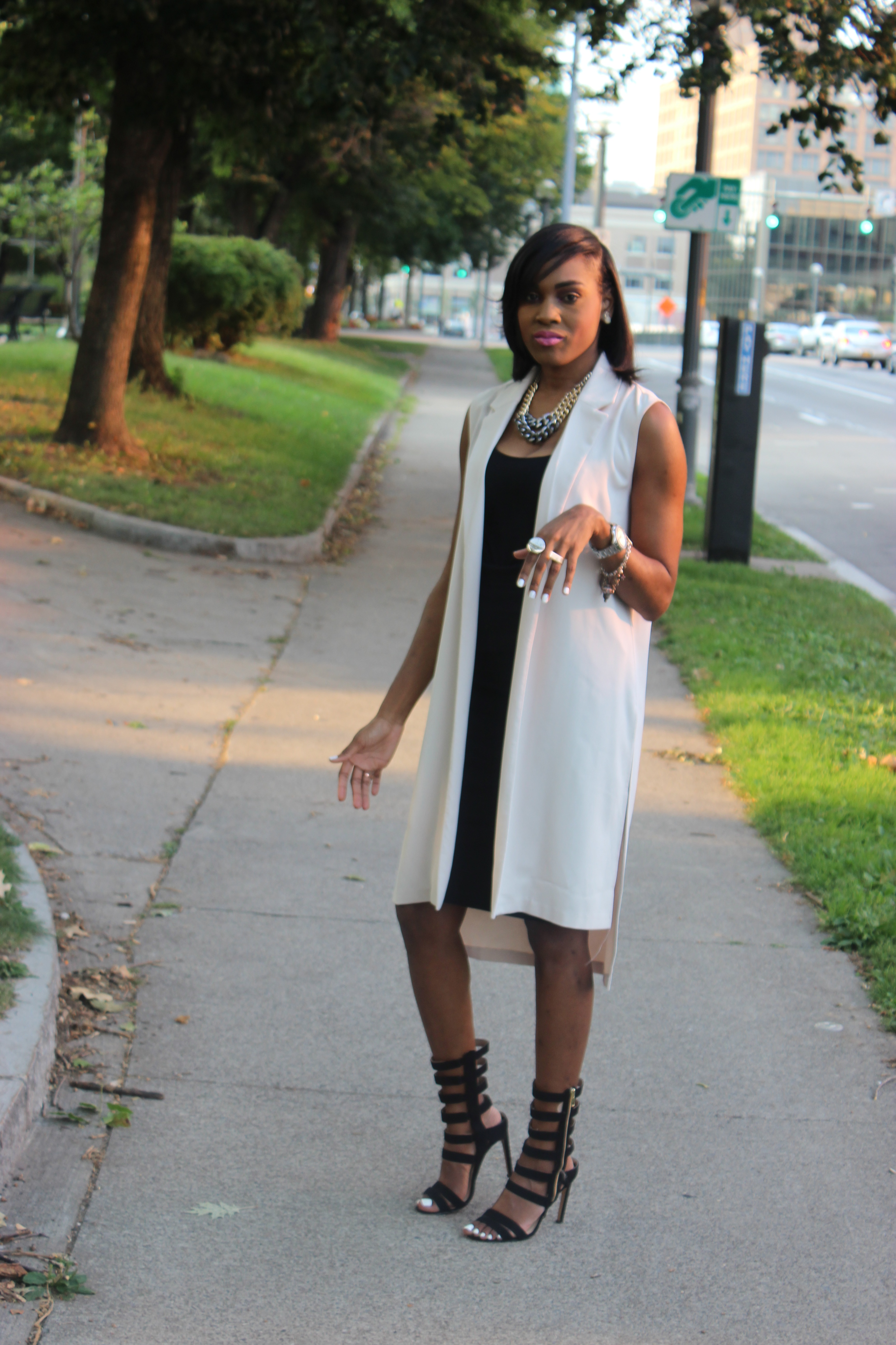 Style-Files-With-Pretty-Price-Forever-21-long-vest-black-Pencil-skirt-tank-just-fab-Florence -heels-Oohlalablog-12