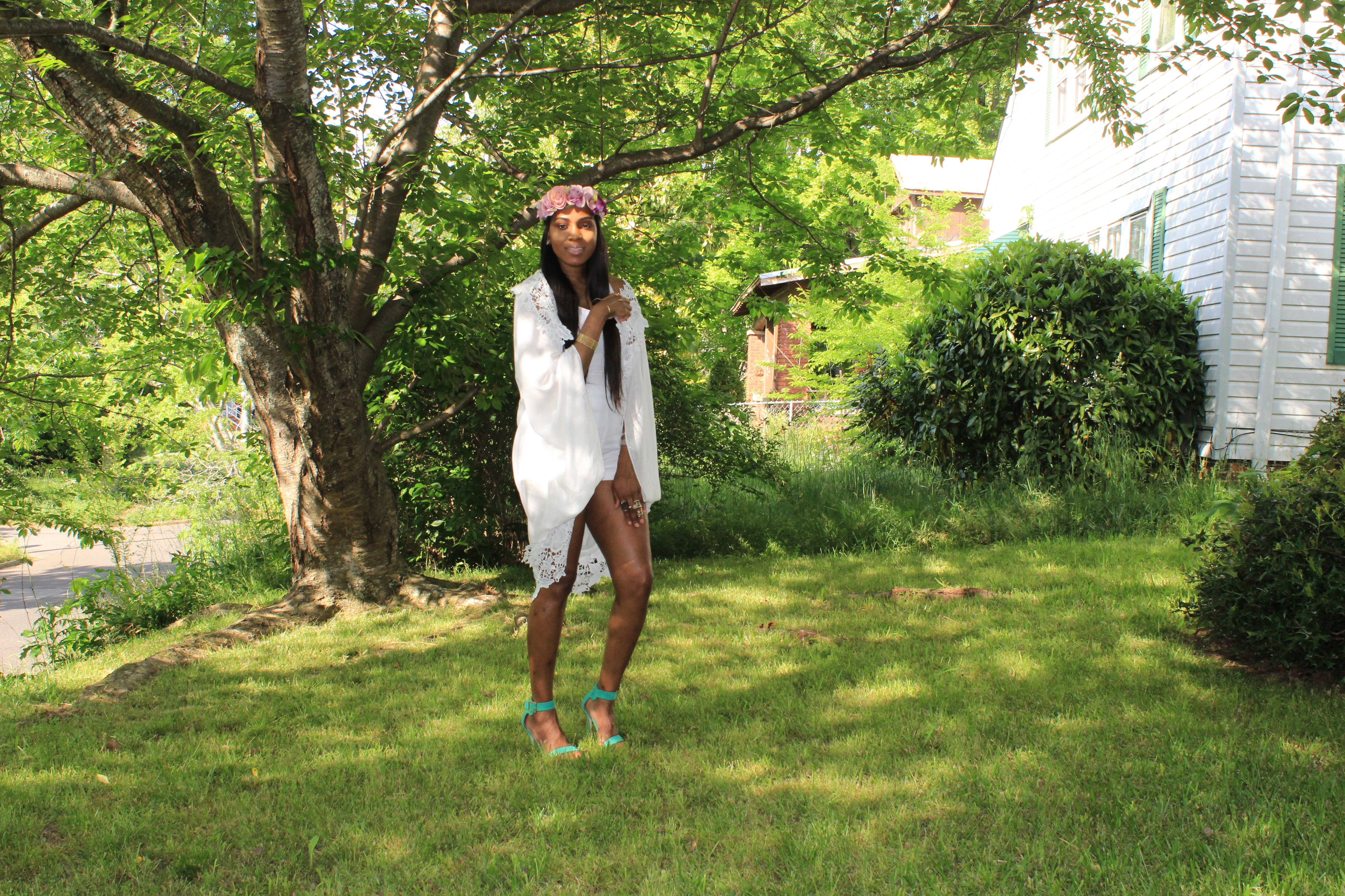 Style-Files-Target-Merona-White-Cocoon-forever21-White-high-waist-shorts-justfab-Paean-seafoam-sandals-flower-headband-Oohlalablog-13
