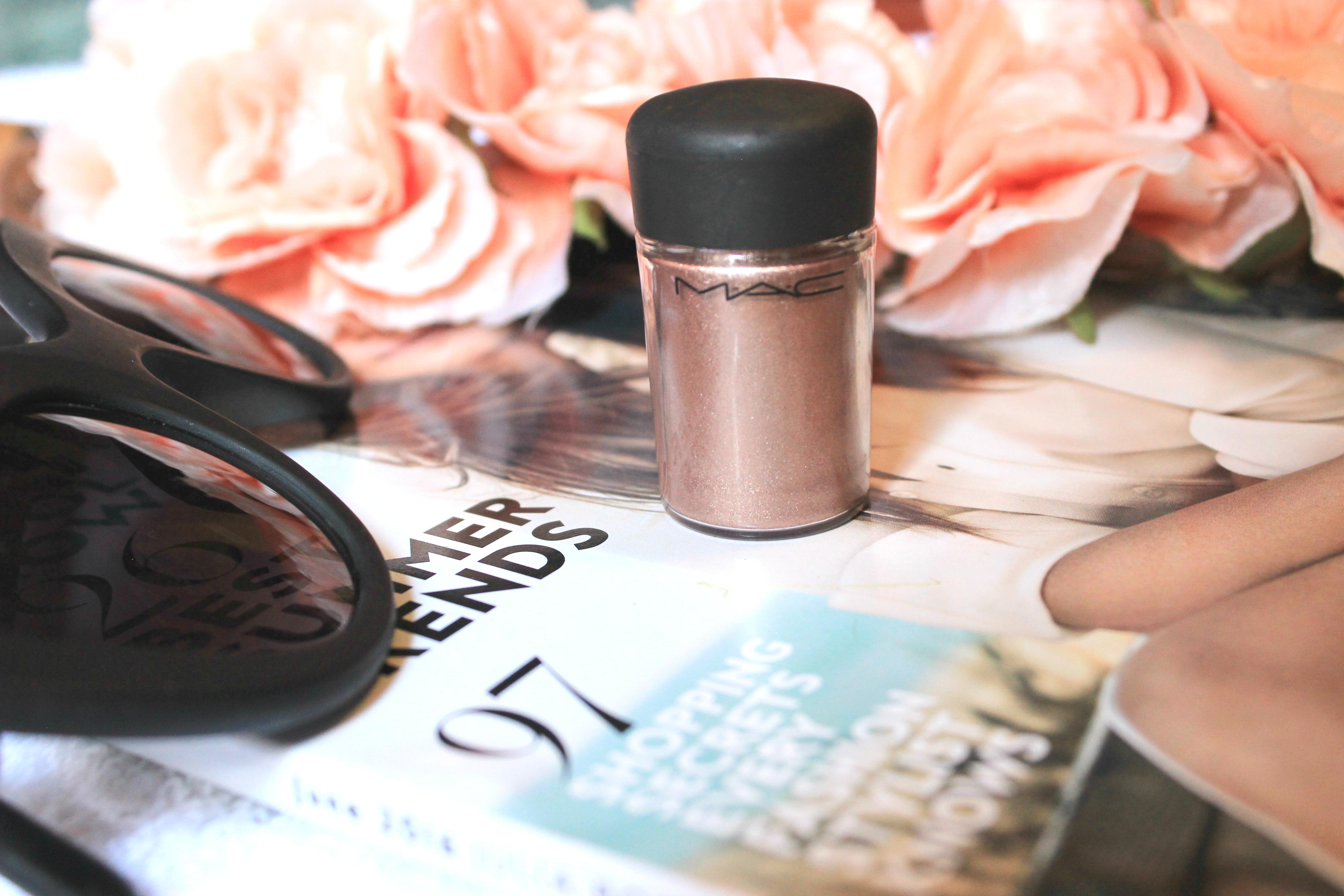 MAC-Cosmetics-Prolong-wear-concealer-Studio-fix-fluid-MAC-Amber-Lights-MAC-Brown-Script-Eye-Shadow-MAC-Pigment-Tan-MAC-Faux-lipstick-Makeup-Mondays-Oohlalablog-21