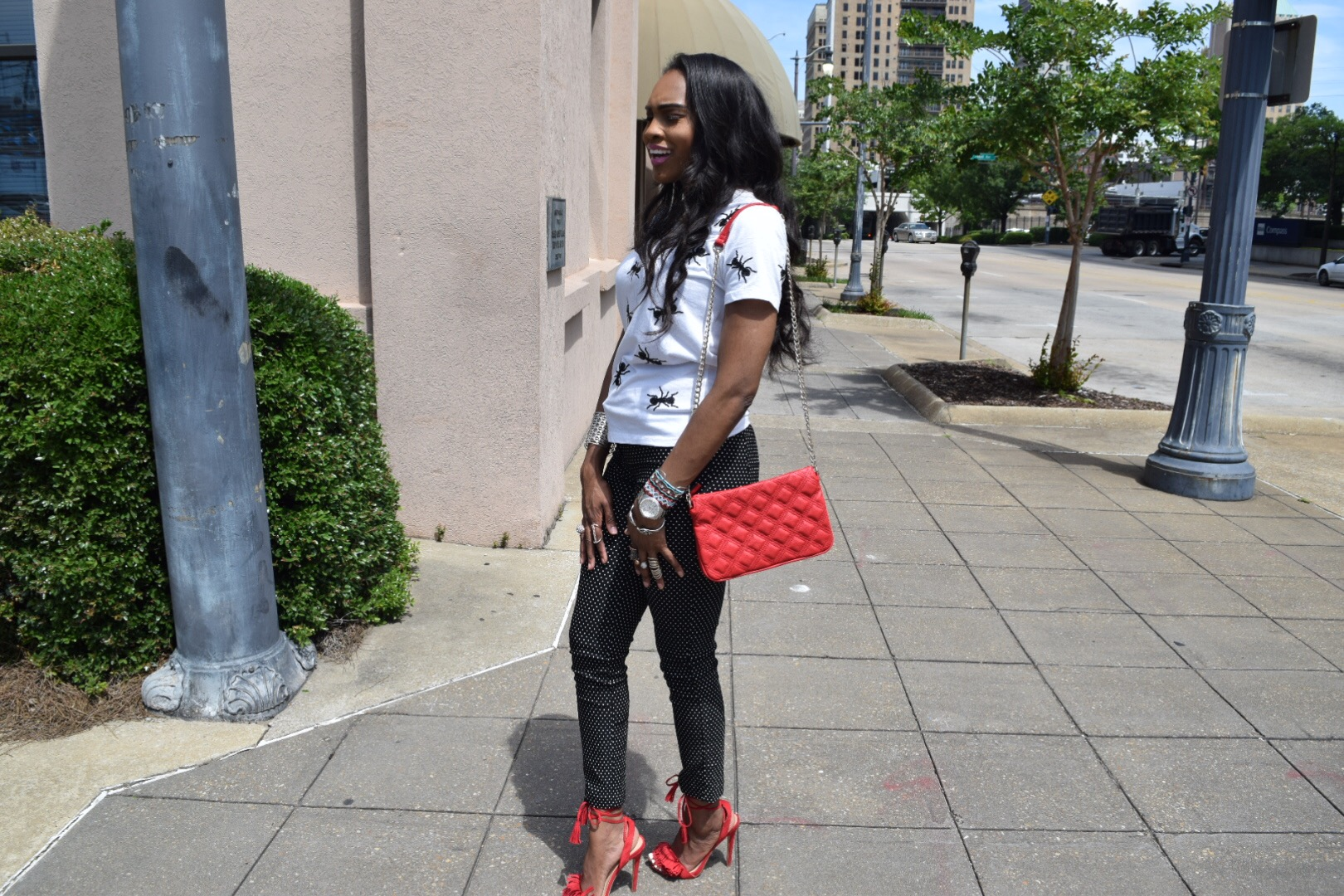 Style-files-Forever 21 White -Sequined-Ant- Applique-Tee-black-white-polka dot-pants-justfab-red-fringe-sandals-oohlalablog-