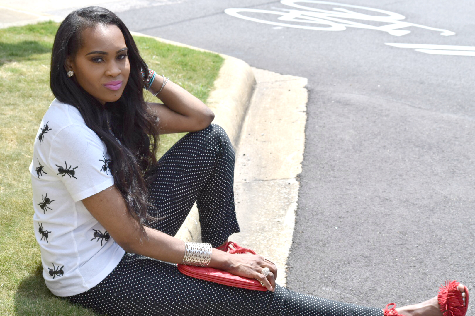 Style-files-Forever 21 White -Sequined-Ant- Applique-Tee-black-white-polka dot-pants-justfab-red-fringe-sandals-oohlalablog-9