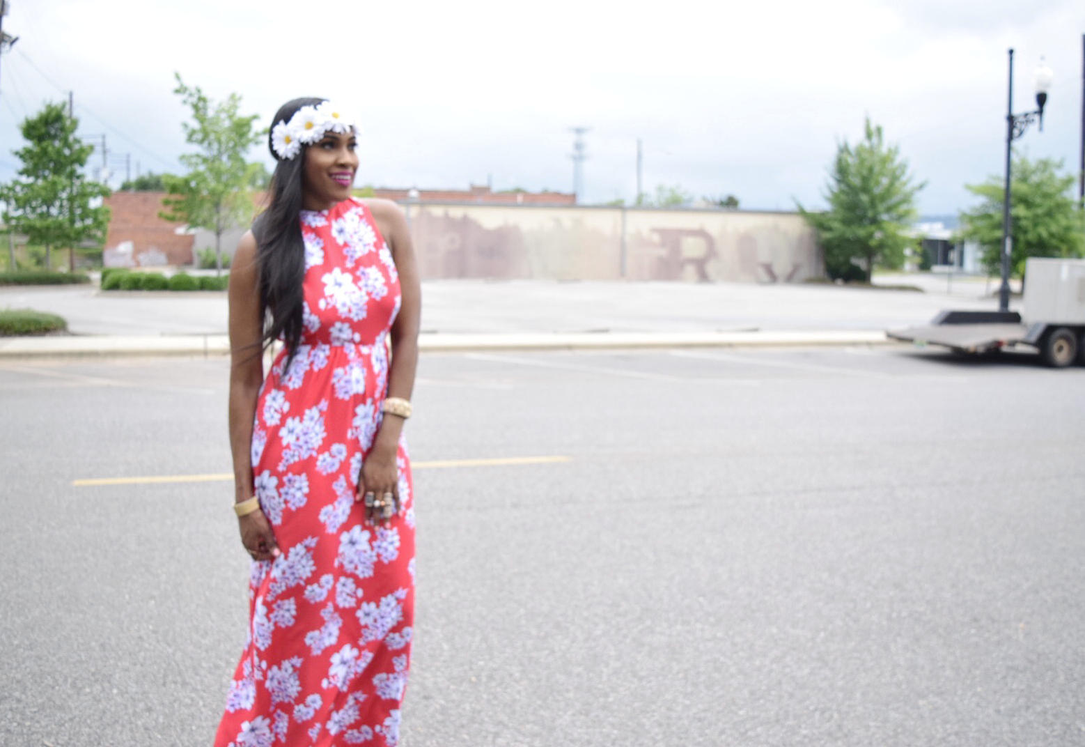 Style-files-forever-21-red-maxi-floral-maxi-dress-criss-cross-back-strap-forever21-daisy-headband-red-justfab-fringe-sandals-Boohoo-Zoe-Square-Oversized Ombre-Frame Aviator-sungalsses-Oohlalablog-8