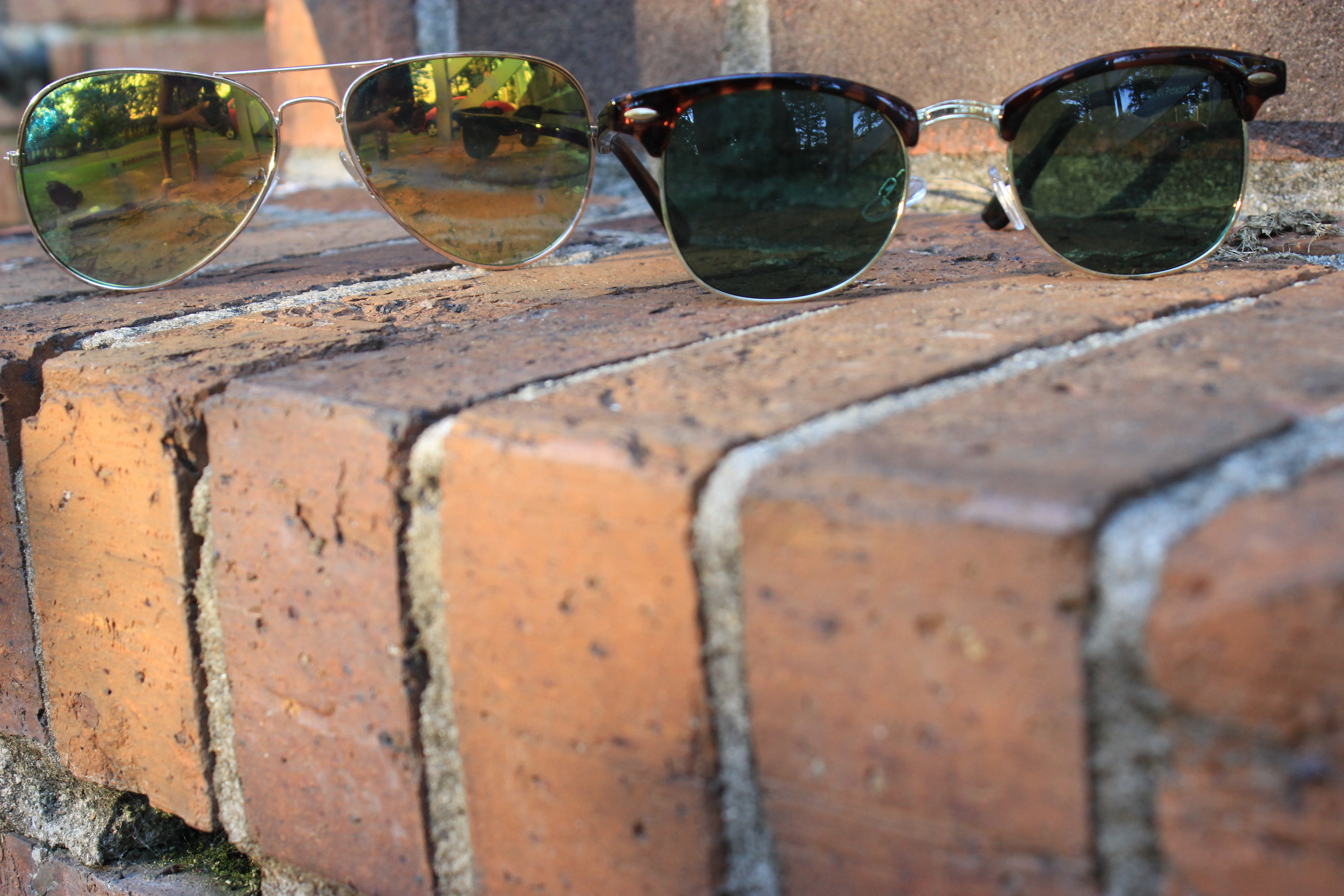 Style-Guide-Summer-Sunglasses-Summer-Sunglass-trends-2016-mirror-tinted-sunglasses-mirrored-ombre-effect-lenses-aviator-trend-2016-cat-eye-frame-sunglasses-2016-round-frame-sunglass-trend-thick-square-frame-sunglasses-Oohlalablog-13