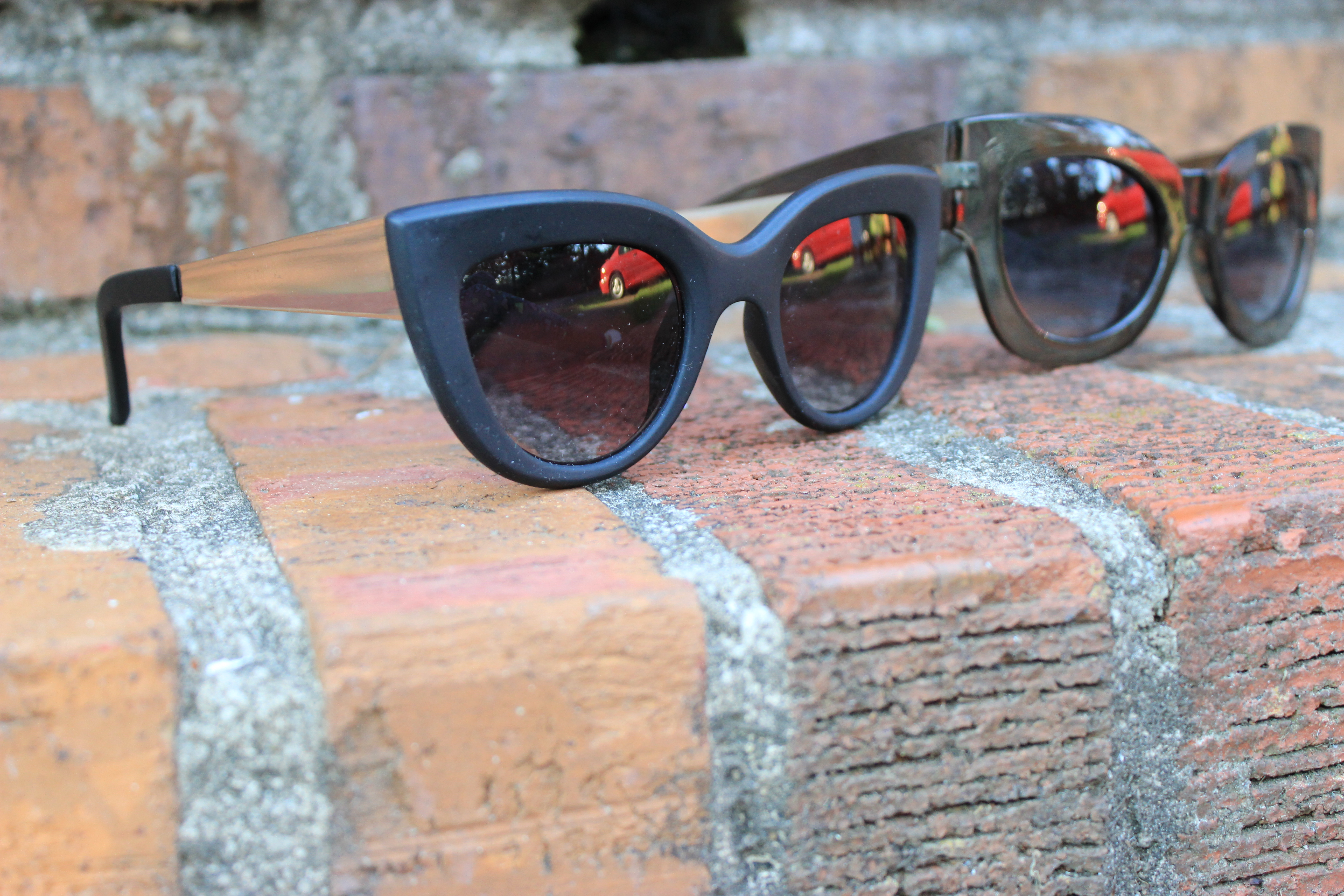Style-Guide-Summer-Sunglasses-Summer-Sunglass-trends-2016-mirror-tinted-sunglasses-mirrored-ombre-effect-lenses-aviator-trend-2016-cat-eye-frame-sunglasses-2016-round-frame-sunglass-trend-thick-square-frame-sunglasses-Oohlalablog-22
