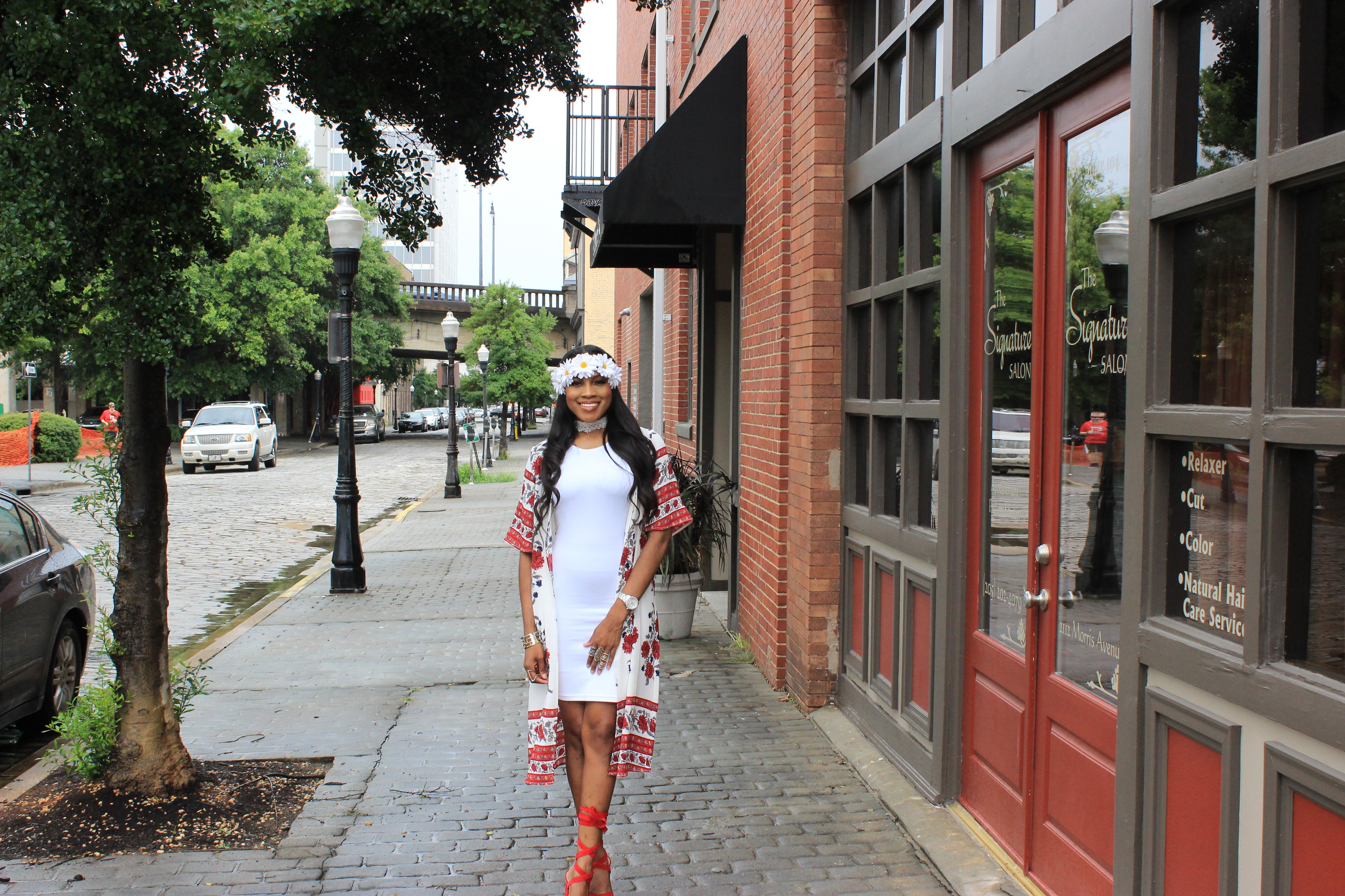 Style-Files-White-forever21-sleeveless-dress-boohoo-Lucy Border Print Maxi Shortsleeve Kimono-Boohoo-ruby-Scalloped Lace Choker-Public-desire-red-lace-uP-heels-forever-21-daisy-headband-oohlalablog-18