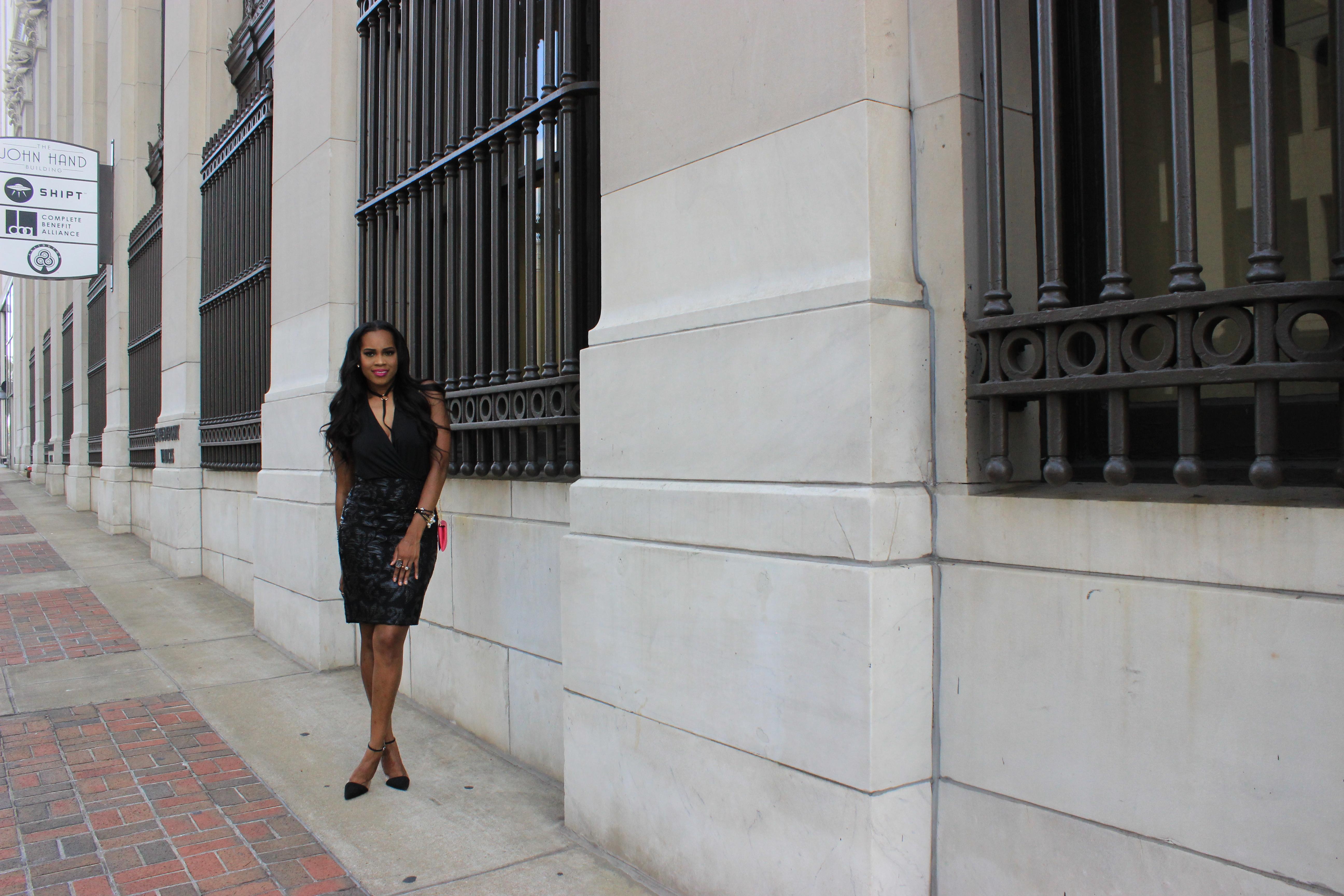 Style-Files-Forever-21-black-lace-pencil-skirt-victoria-secret-black-vneck-bodysuit-all-black-fashion-look-Zara-vinyl-d-orsay-pumps-oohlalablog-14