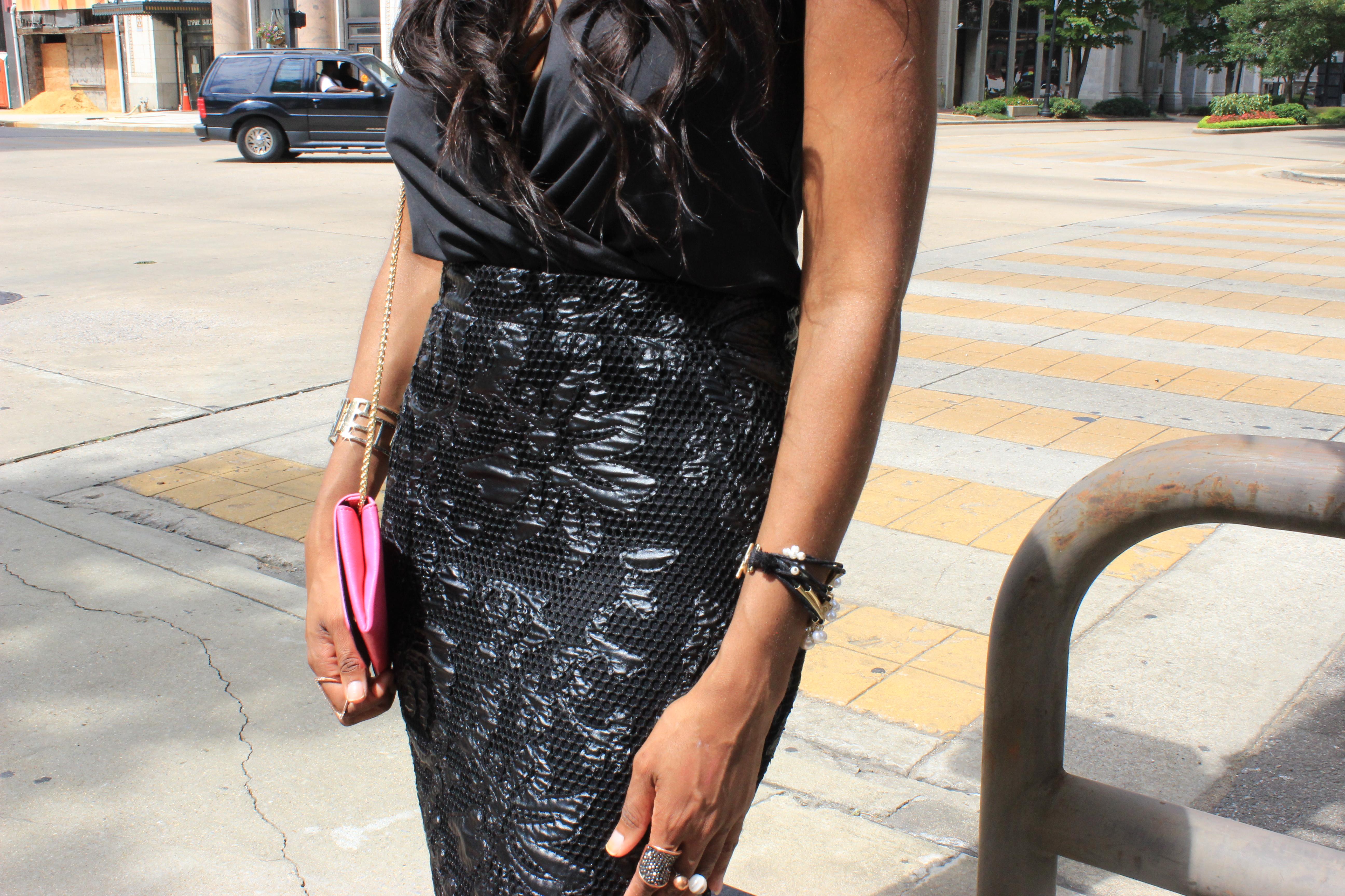 Style-Files-Forever-21-black-lace-pencil-skirt-victoria-secret-black-vneck-bodysuit-all-black-fashion-look-Zara-vinyl-d-orsay-pumps-oohlalablog-16