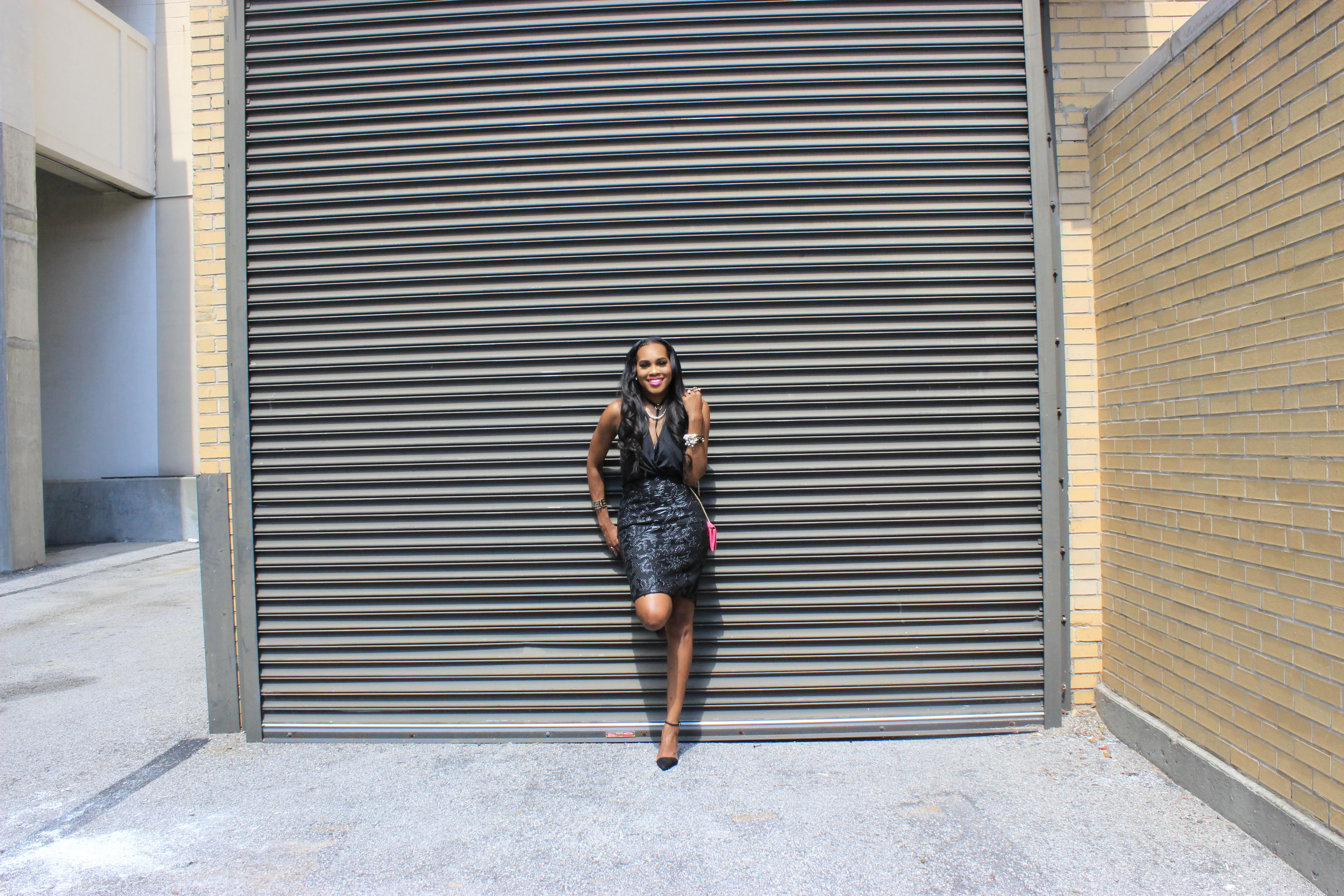 Style-Files-Forever-21-black-lace-pencil-skirt-victoria-secret-black-vneck-bodysuit-all-black-fashion-look-Zara-vinyl-d-orsay-pumps-oohlalablog-31