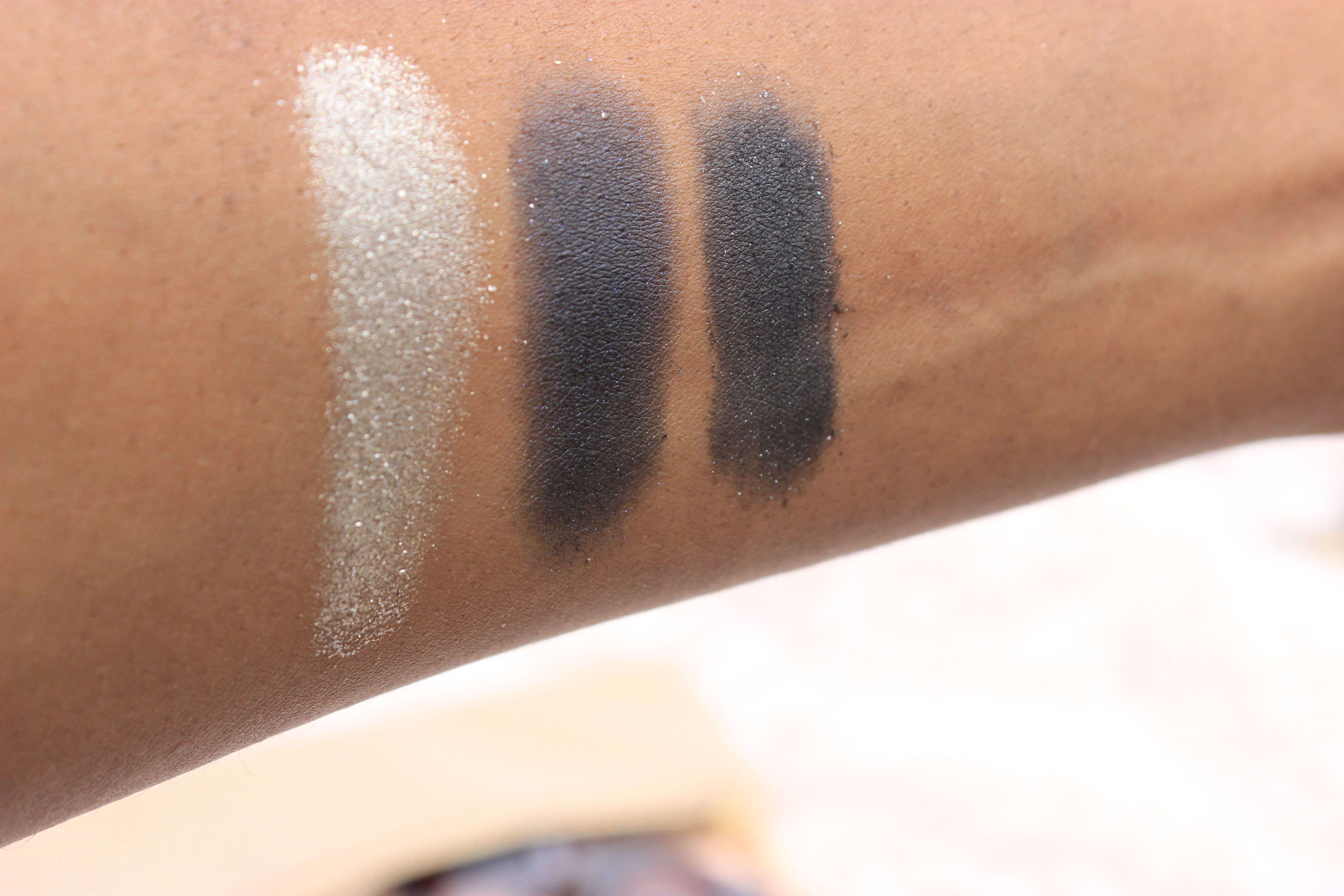 WetnWild-eyeshadow-palette-bust-a-wrap-review-oohlalablog-