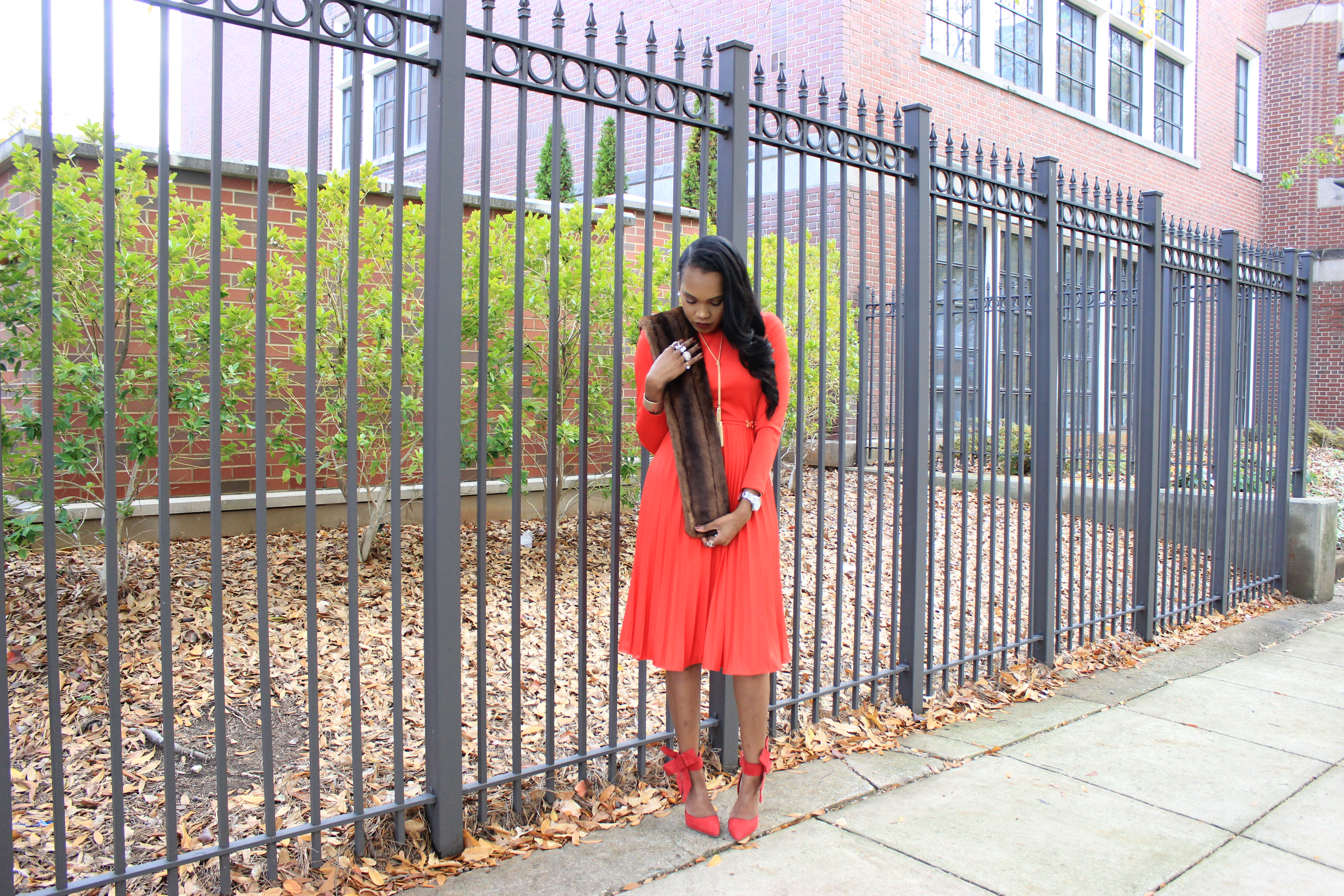 style-files-vintage-carol-craig-red-pleated-dress-just-fab-hadley-red-bow-pumps-INC-faux-fur-stole-oohlalablog-