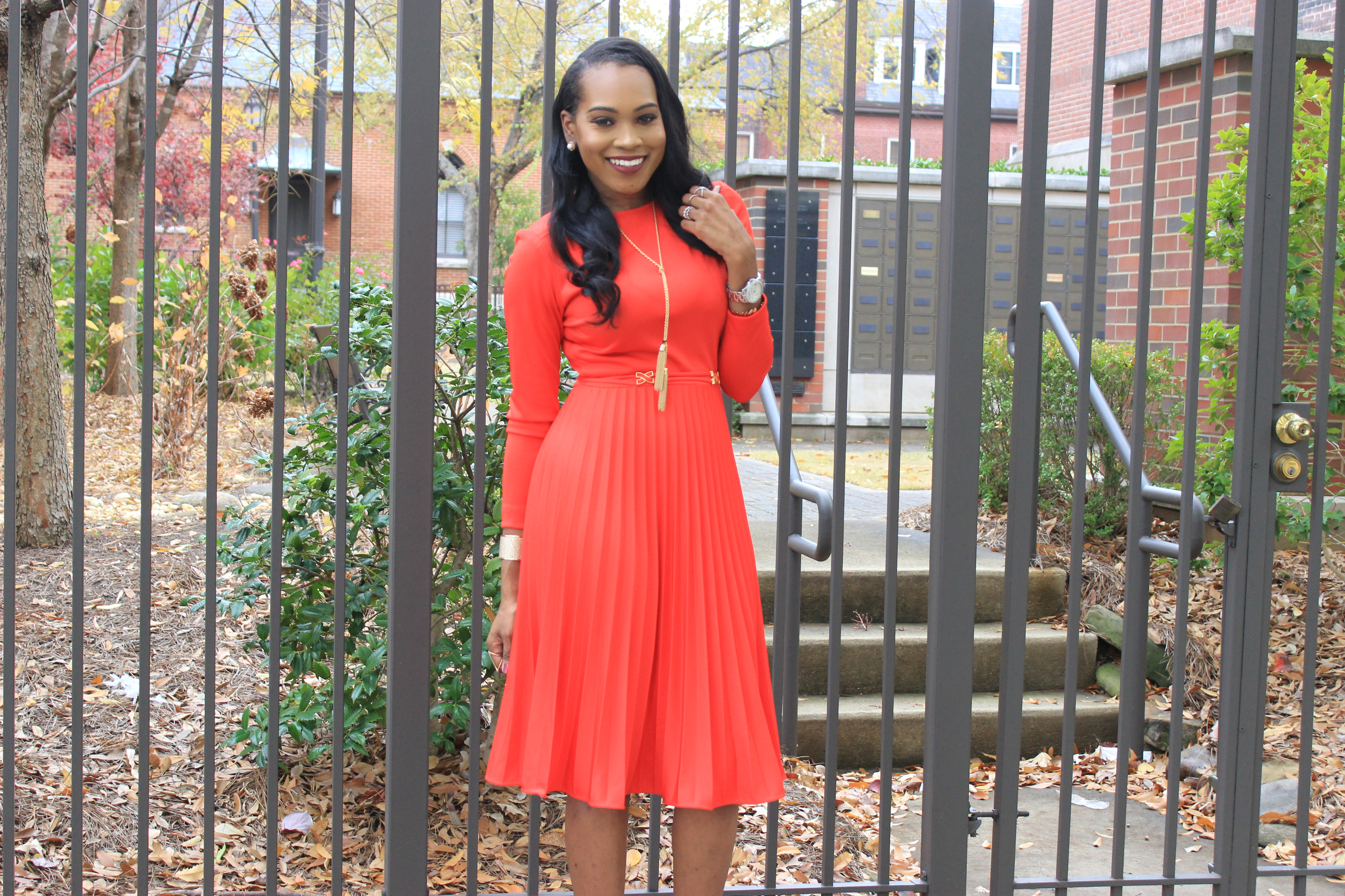 style-files-vintage-carol-craig-red-pleated-dress-just-fab-hadley-red-bow-pumps-INC-faux-fur-stole-oohlalablog-14