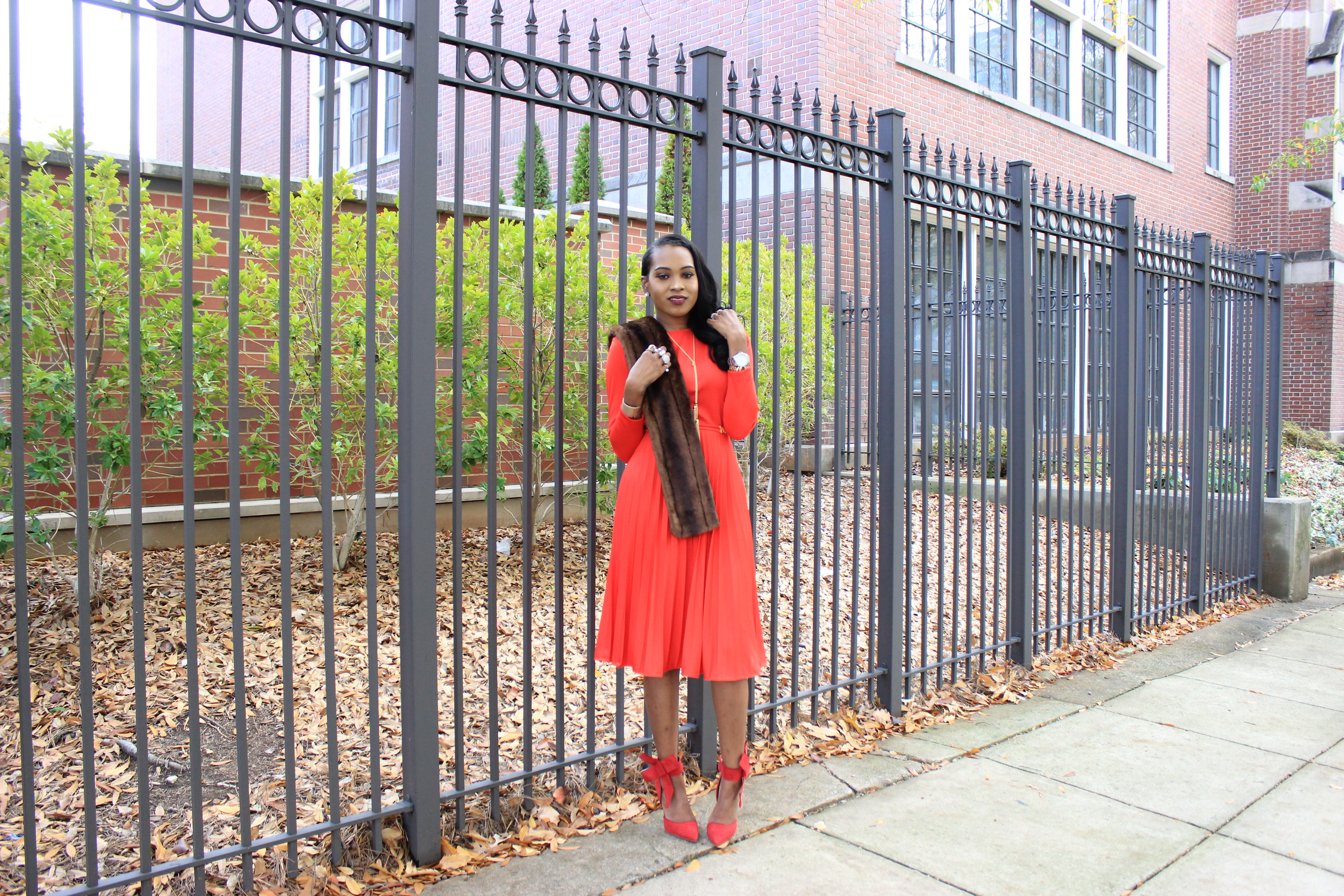 style-files-vintage-carol-craig-red-pleated-dress-just-fab-hadley-red-bow-pumps-INC-faux-fur-stole-oohlalablog-2