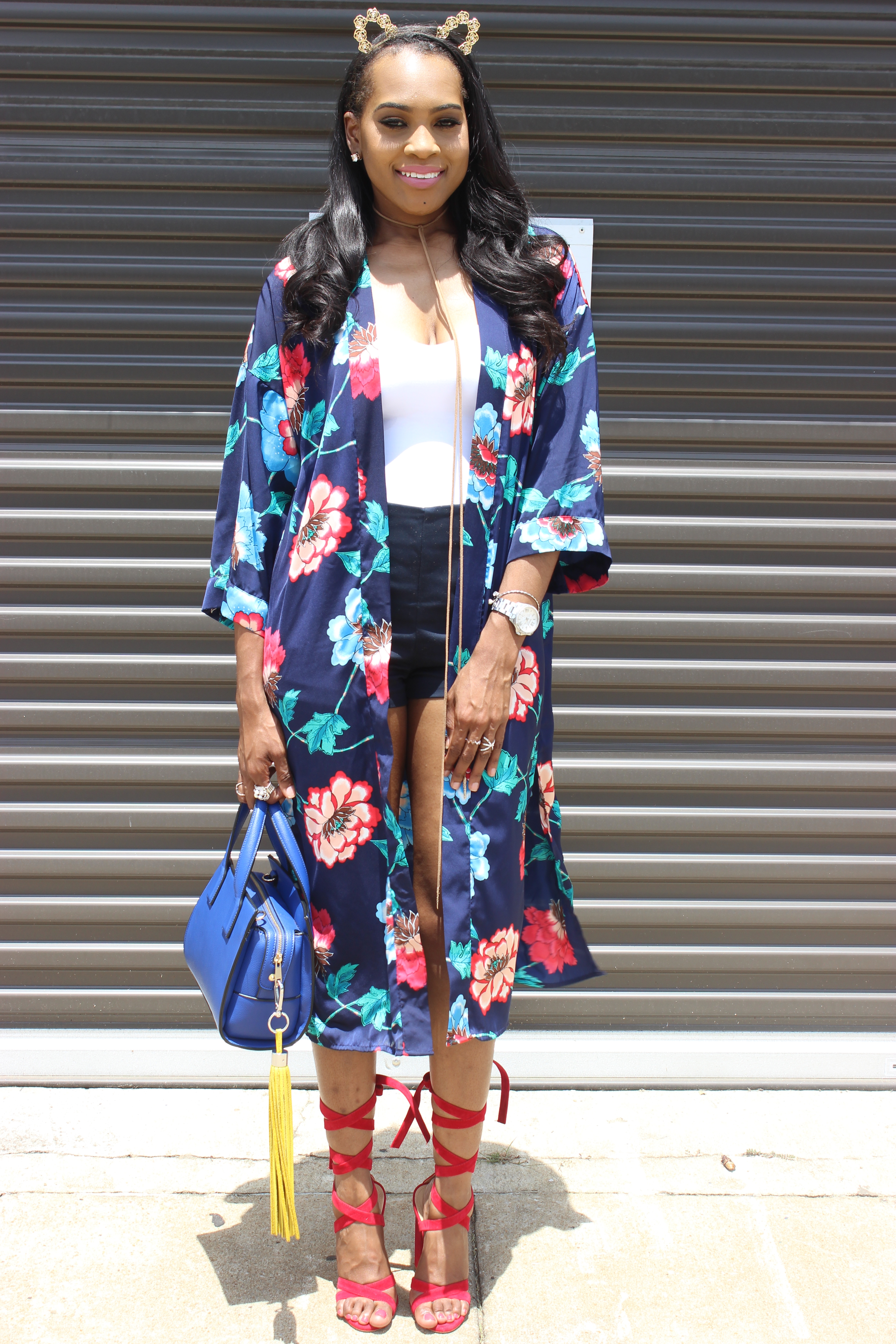 Style-files-Forever21-Blue-Ornate-Floral-Print-Kimono- Forever21-blue-shorts-with-side-silver-buckles-red-lace-up-public-desire-block-heels-forever21-white-strappy-backless-bodysuit-how-to-wear-kimono-oohlalablog-17