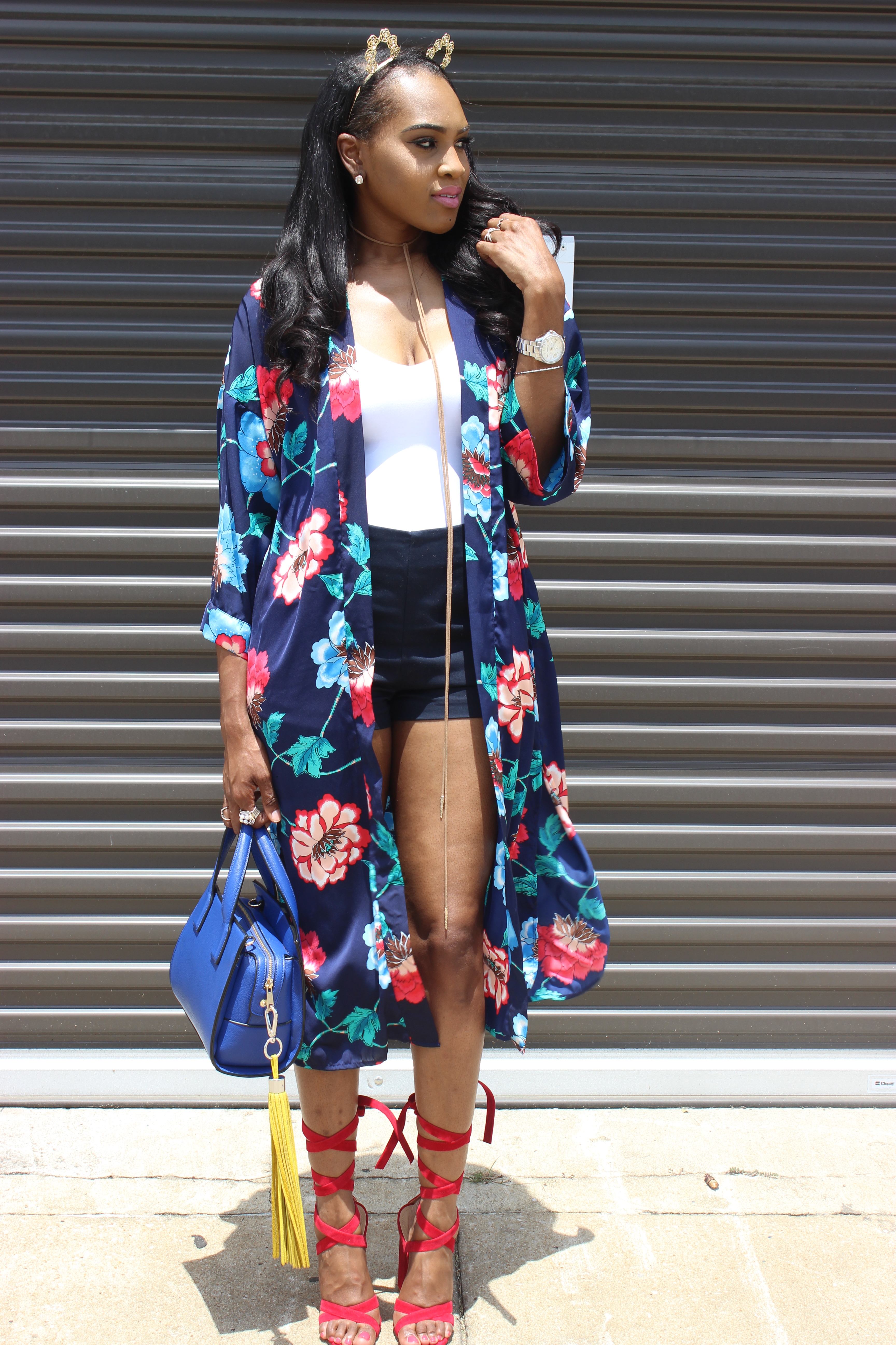 Style-files-Forever21-Blue-Ornate-Floral-Print-Kimono- Forever21-blue-shorts-with-side-silver-buckles-red-lace-up-public-desire-block-heels-forever21-white-strappy-backless-bodysuit-how-to-wear-kimono-oohlalablog-18