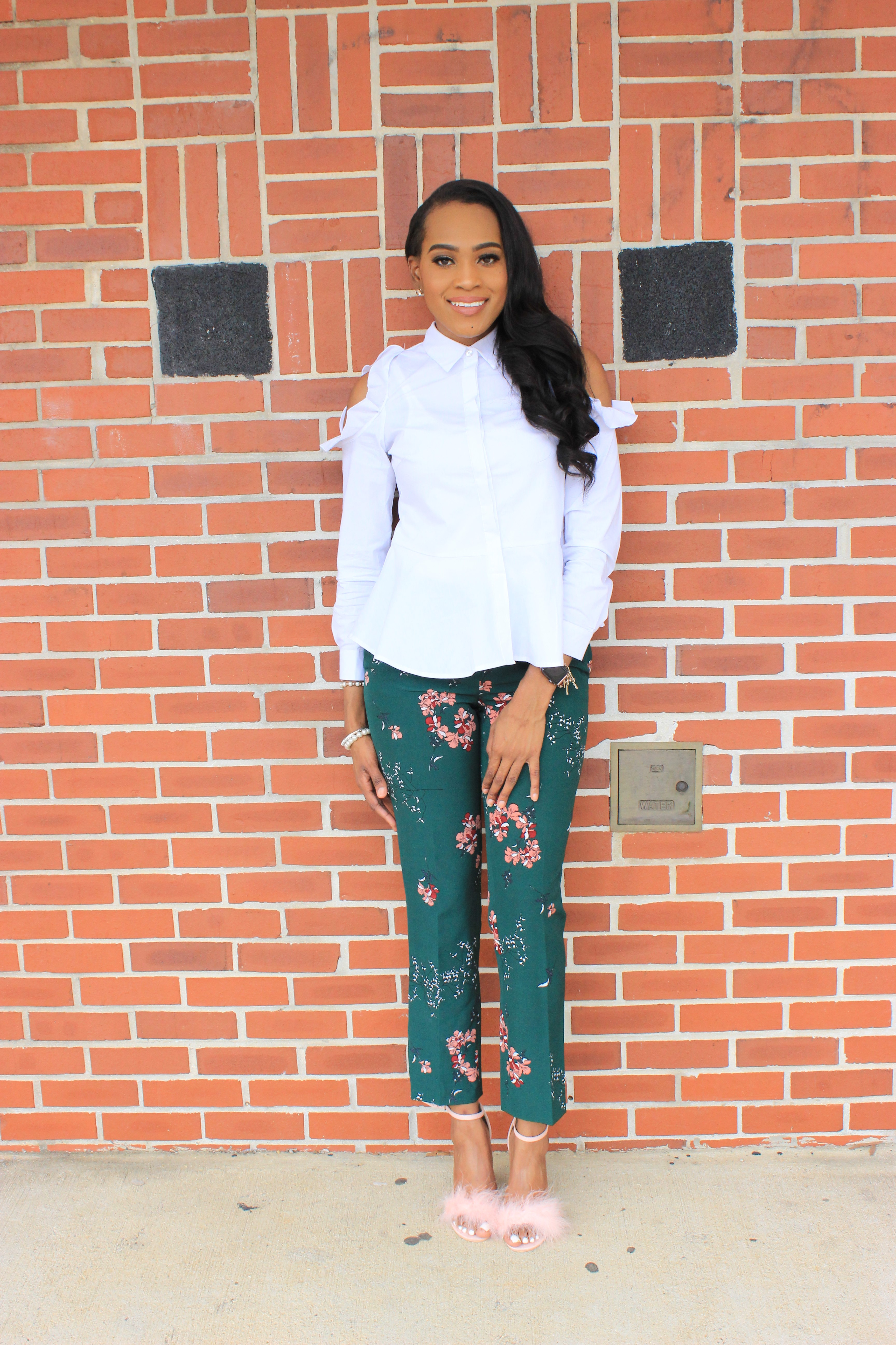 Style-files-Green-floral-printed-ankle-length-carolina-belle-montreal-pants-white-cold-shoulder-ruffle-peplum-blouse-pink-faux-fur-glitter-block-heel-missguided-ankle-strap-sandals-oohlalablog-14