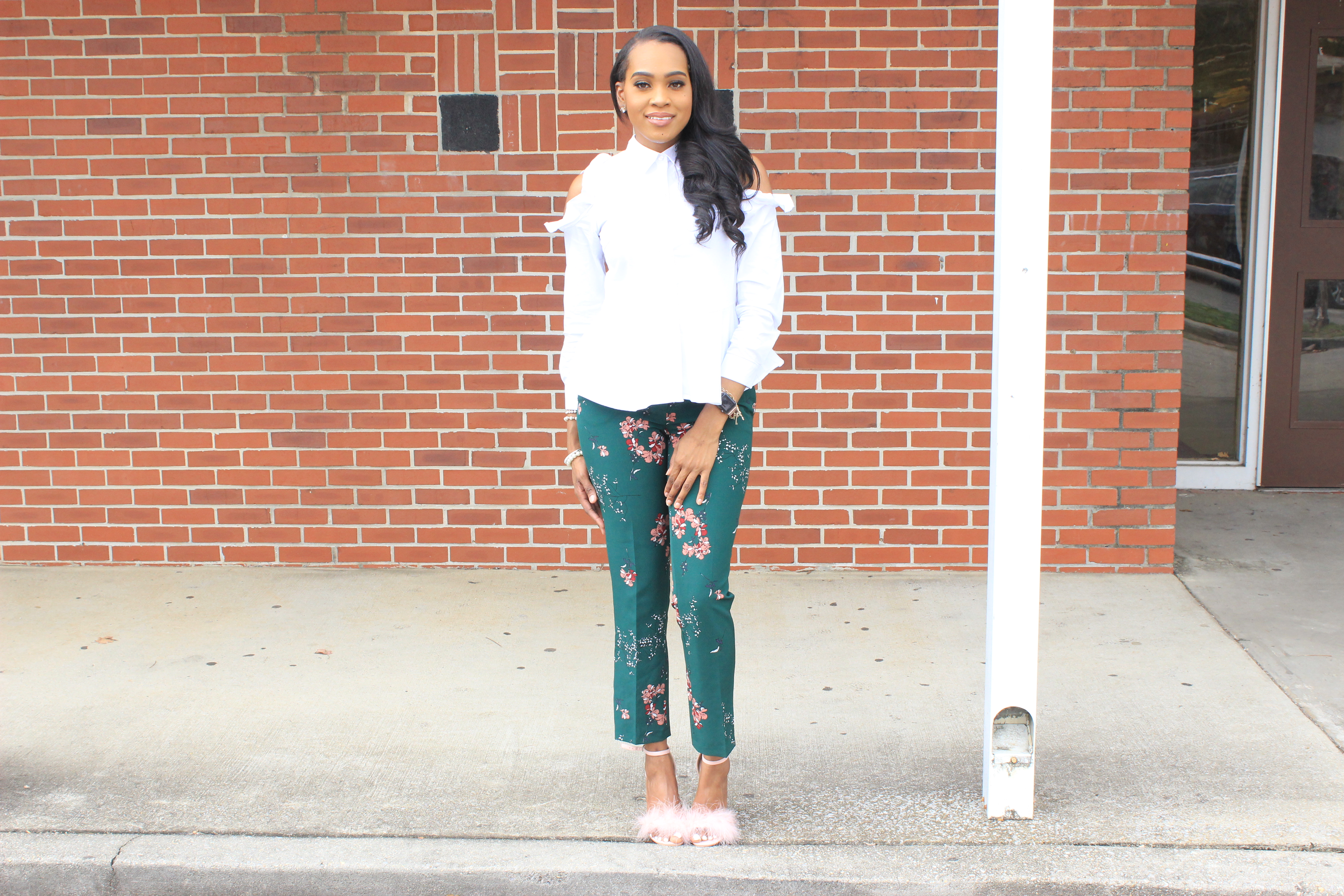 Style-files-Green-floral-printed-ankle-length-carolina-belle-montreal-pants-white-cold-shoulder-ruffle-peplum-blouse-pink-faux-fur-glitter-block-heel-missguided-ankle-strap-sandals-oohlalablog-17