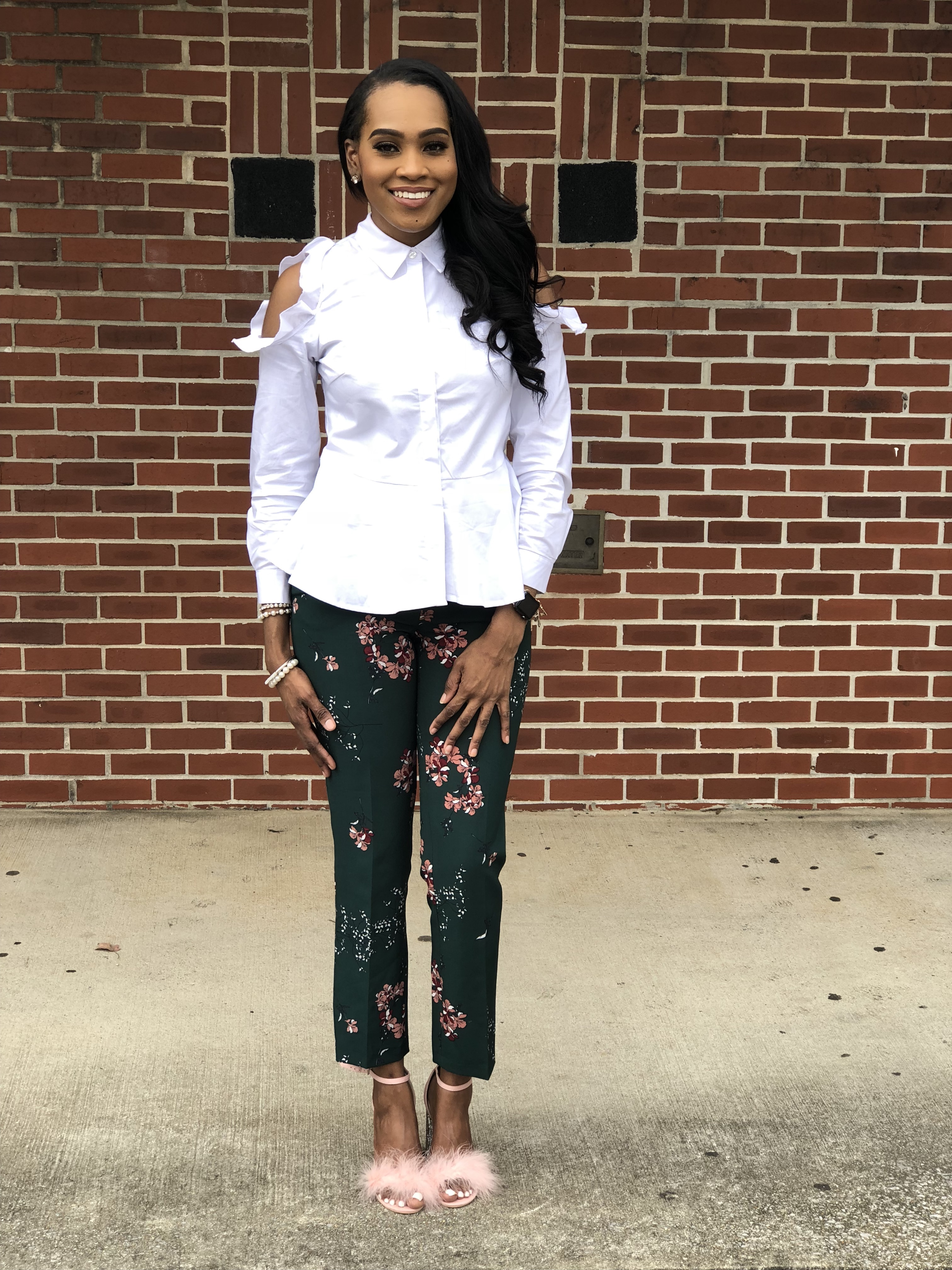 Style-files-Green-floral-printed-ankle-length-carolina-belle-montreal-pants-white-cold-shoulder-ruffle-peplum-blouse-pink-faux-fur-glitter-block-heel-missguided-ankle-strap-sandals-oohlalablog-7